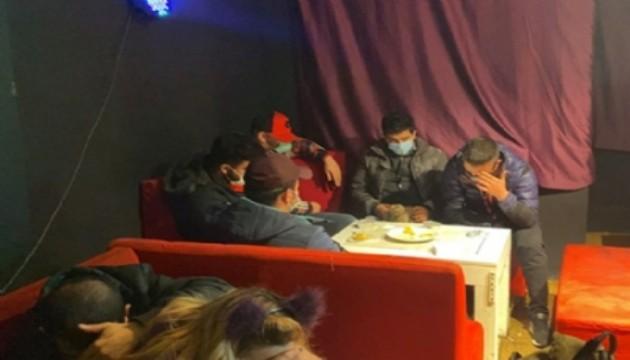 Bursa'da kıraathanede toplananlara 45 bin lira ceza
