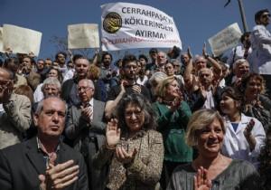 İstanbul Üniversitesi'nde 'bölünme' protestosu