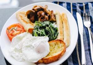 Yemek yemenin sağlık açısından saati olur mu?