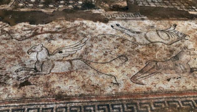Kaçak kazıda çıkan mozaikler Zeugma Müzesi'nde