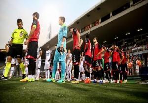 İlhan Cavcav'ın vefatı nedeniyle maç ertelendi