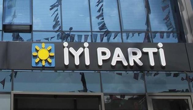 İYİ Parti'de deprem! 18 üye istifa etti