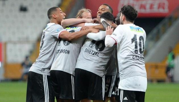 Beşiktaş Avrupa'nın zirvesinde