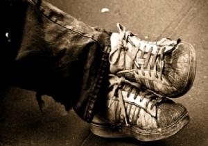 Adı fakir ayakkabısı ama fiyatı cep yakıyor