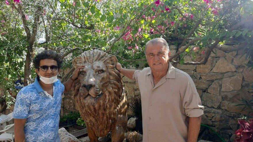 Fatih Terim, evine aslan heykeli yaptırdı