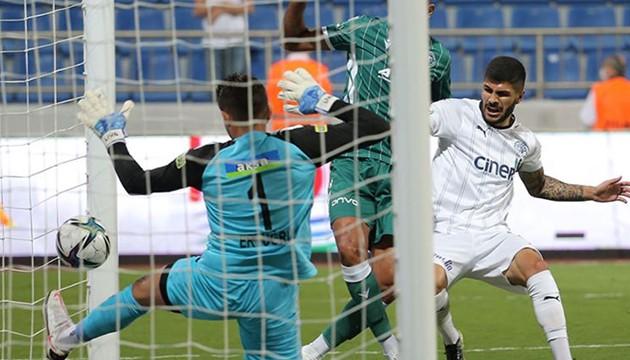 Bol gollü maçta kazanan çıkmadı!